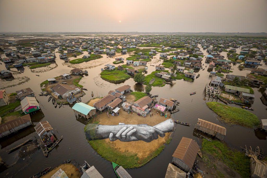 Beyond Walls,  Ganvié au Bénin Peinture biodégradable sur sable