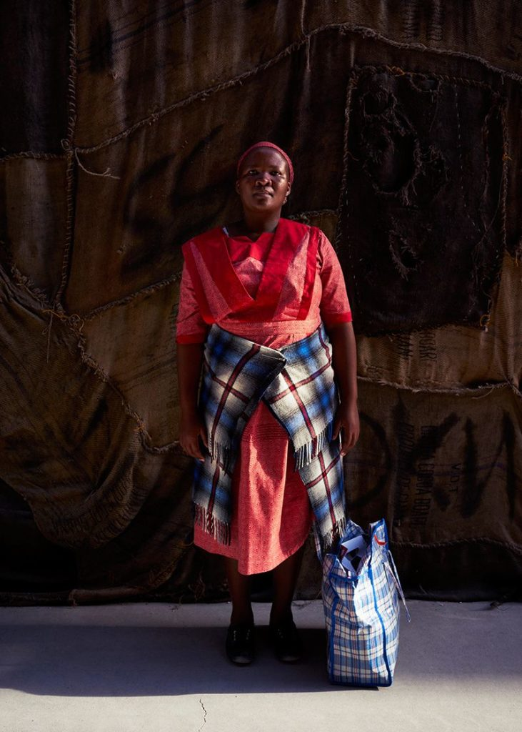 5020ff4cb94e5608707f56be79e029a7-731x1024 « Waiting for Gebane » : a look at the conditions of black South African women by contemporary artist Senzeni Marasela