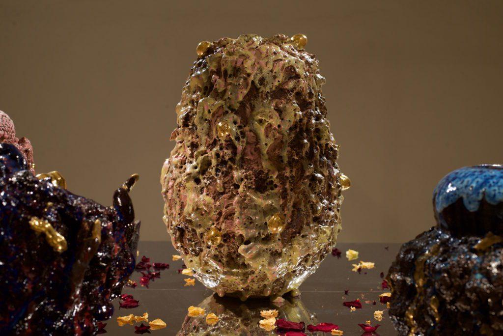 ESPACE-CHRISTIANE-PEUGEOT-–-PARIS-FRANCE-–-2016-1024x684 « Dans mon jardin » : artist King Houndekpinkou explores the possible outcomes of earthenware at the Vallois Gallery